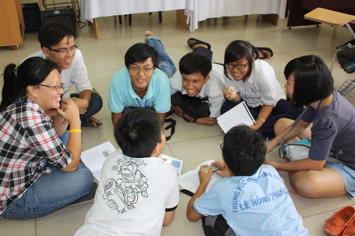 how to pass group discussion interview